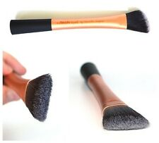 REAL TECHNIQUES by Samantha & Nic Chapman, FOUNDATION BRUSH - Make Up Brush :)