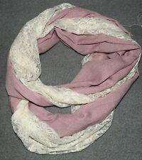 NEU Rundschal Rosa Creme mit Spitze New Romantic Shabby Chic Tuch Schal Loop