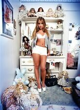 Britney Spears Unsigned 12x18 Photo (180)