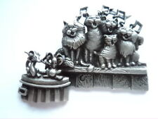 """Vintage Signed JJ  """"Silver pewter Cats Choir"""" Brooch/Pin"""
