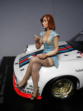 FIGURINE  1/18  GIRL  MISS  935  VROOM   A  PEINDRE  POUR  AUTOART  SPARK  1/18