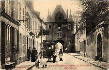 CPA   Villeneuve-sur-Yonne - La Porte de Joigny (Cotéintérieur)   (357646)