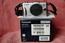 Panasonic GF2 camera 12.1MP,boxed,all accessories,mint working condition.