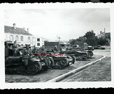 PHOTO WW2 PANZER BLINDÉ TANKETTE RENAULT CHENILLETTE UE HALFTRACK CAMION CITROËN