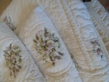 Full/Queen Coverlet Quilt Floral Accents 2 Shams Cottage French Country Bedding