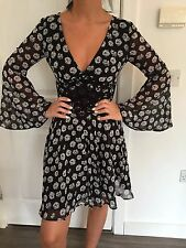 BNWT LIPSY MICHELLE KEEGAN CHIFFON FLORAL AND CROCHET PANEL DRESS SIZE 8 NEW IN