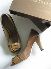 $575 Gucci Oversized GG Metal Logo Stamped Guccissima Caramel Leather Pumps 38.5
