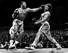 MUHAMMAD ALI & JOE FRAZIER FIGHT IN THE RING BOXING 8X10 PHOTO PICTURE