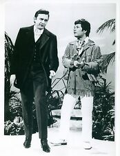 Photo ~ JOHNNY CASH  with Don Ho ~ Black and White ~ 8 x 9 ~ Glossy ~ Circa 1969