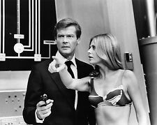 "Britt Ekland James Bond 007 10"" x 8"" Photograph no 20"