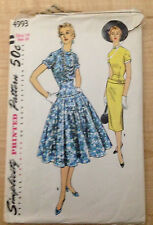Vintage 1950s 1960s SIMPLICITY Women Sewing Pattern 4993 One-Piece Dress B32