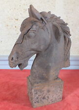 sculpture tete de cheval fonte stabulation ecurie box  horse head