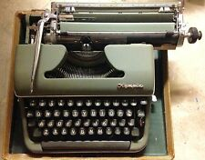 RARE VINTAGE OLYMPIA Deluxe Model SM3?  TYPEWRITER GREEN 387871