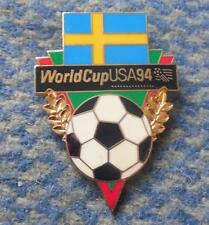TEAM SWEDEN WORLD CUP SOCCER FOOTBALL FUSSBALL USA 1994 PIN BADGE