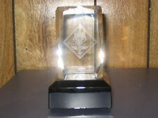 Scout & Cub Emblem Crystal Cube with lighted base         bk
