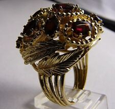 VINTAGE 14K YELLOW GOLD LEAVES DESIGN RING WITH GARNET STONES SIZE 8.5
