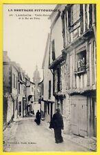 CPA France Bretagne LAMBALLE (Côtes d'Armor) Vieilles MAISONS Rue des Frères