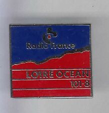 RARE PINS PIN'S .. TV PRESSE RADIO FRANCE LOCALE LOIRE OCEAN 44 ~7B