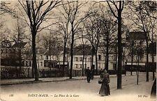 CPA Saint-Maur - La Place de la Gare (390329)