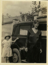 PHOTO ANCIENNE - VINTAGE SNAPSHOT - VOITURE ENFANT FEMME MODE - CAR FASHION