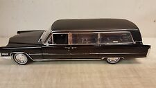 GREENLIGHT 1:18 1966 CADILLAC LIMOUSINE BLACK (PRECISION MINIATURES)-