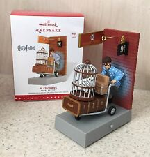 Hallmark 2015 HARRY POTTER Platform 9 3/4 Hogwarts Express Keepsake Ornament New