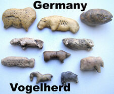 Serie of 10 paleolithic figurines from Vogelherd  - casts of resin