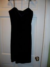 Roberta Black Cocktail Dress Size L 12 T Straps Faux Velvet Leaf Vine Bead Bust