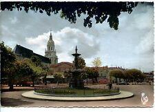 CP 01 - AIN - Bourg-en-Bresse - La Place Bernard, la Place Carriat et l'Eglise