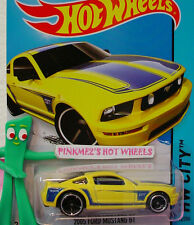 Case Q 2014  Hot Wheels 05 FORD MUSTANG GT 2005 #92☆Yellow/Blue☆50 years