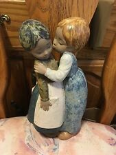 Lladro 2086 Little Kiss Retired! Mint Condition! Gres Finish!