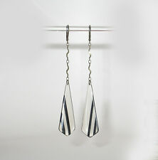 ~~DAINTY VTG 20's ART DECO CELLULOID /lucite DROP  EARRINGS!~CLEAR & BLACK~