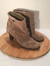 """BCBG Paris 7.5 M Tan Taupe Suede Ankle Boot Bootie Fold Over Look 3"""" Heel"""