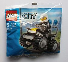 5625 LEGO City: Police 4x4 Jeep with Minifig NEW & Sealed Polybag Promo Set