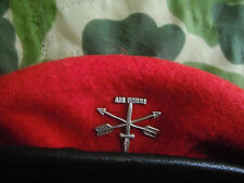 VIETNAM ORIGINAL RED BERET & INSIGNIA Pin SPECIAL FORCES GROUP GREEN BERETS Lot