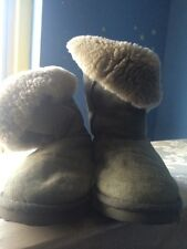 Emu Green Suede Sheepskin Lined Boots Size 7