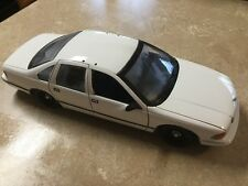 UT Models Unmarked Chevrolet Caprice, 1:18 Scale