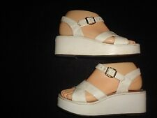Vintage 70's Qualicraft Casualets Platform Sandals Size 7 Leather Made in Italy