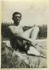 PHOTO ANCIENNE - VINTAGE SNAPSHOT - HOMME TORSE NU MAILLOT DE BAIN GAY INT. -MAN