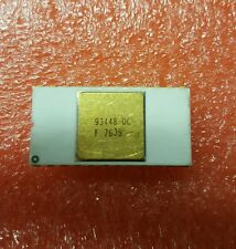 93448-DC FAIRCHILD WHITE CERAMIC VINTAGE IC GOLD PLATED CAP AND GOLD 24 PINS