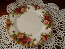 ELEGANT BREAD & BUTTER PLATE  16CM  OLD COUNTRY ROSES  ROYAL ALBERT ENGLAND