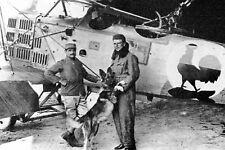 WW1 - Le Lieutenant Kaiterlin devant son biplan avant son départ en mission