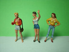 3  FIGURINES  SET  62   LES  GIRLS  EN   VACANCES   VROOM  1/43  A PEINDRE