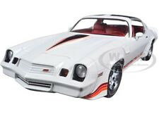 1981 CHEVROLET CAMARO Z/28 WHITE 1/18 DIECAST MODEL CAR BY GREENLIGHT 12906