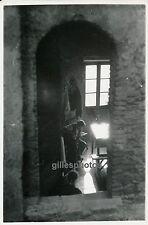 PEILLE c. 1950 - Dans l'Intimité d'une Maison Alpes Maritimes - DIV 2648