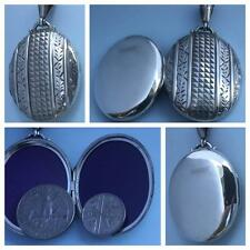 DELIGHTFUL LARGE VICTORIAN 'CLASSIC EMBOSSED' SILVER LOCKET HM BIRMINGHAM 1881