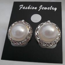 NEW Beautiful Fashion Pierced Ear Pearl Rhinestone Crystal Elegant Stud Earrings