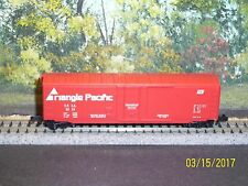 KADEE MICRO-TRAINS N SCALE #38170 50' STD STEEL BOXCAR PLUG DOOR TRIANGLE PAC