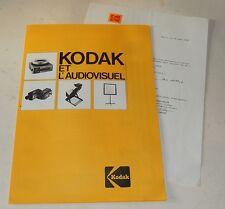 Feuillet KODAK et l'AUDIOVISUEL : Projecteur KODAK Carousel S-AV 2000 - Statif..