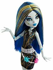 MONSTER HIGH FREAKY FUSION RECHARGE STATION WITH FRANKIE STEIN DOLL - BNIB